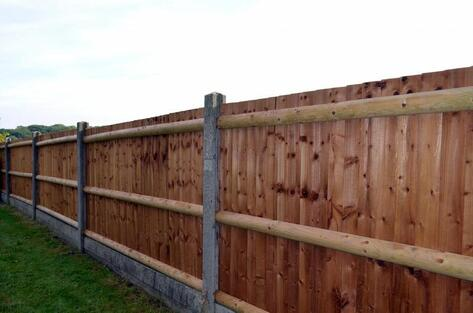 picture of wood privacy fencing